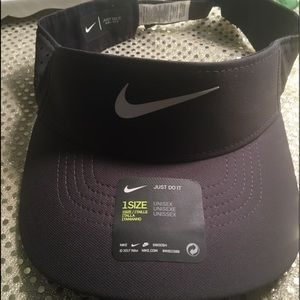 Nike Golf Visor hat!!